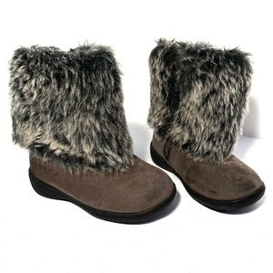 Carter's Boots 7 Infant Fur Fluffy 2 Gray